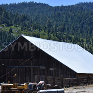 Sierra Valley Barn 1.JPG - Cliff Roepke
